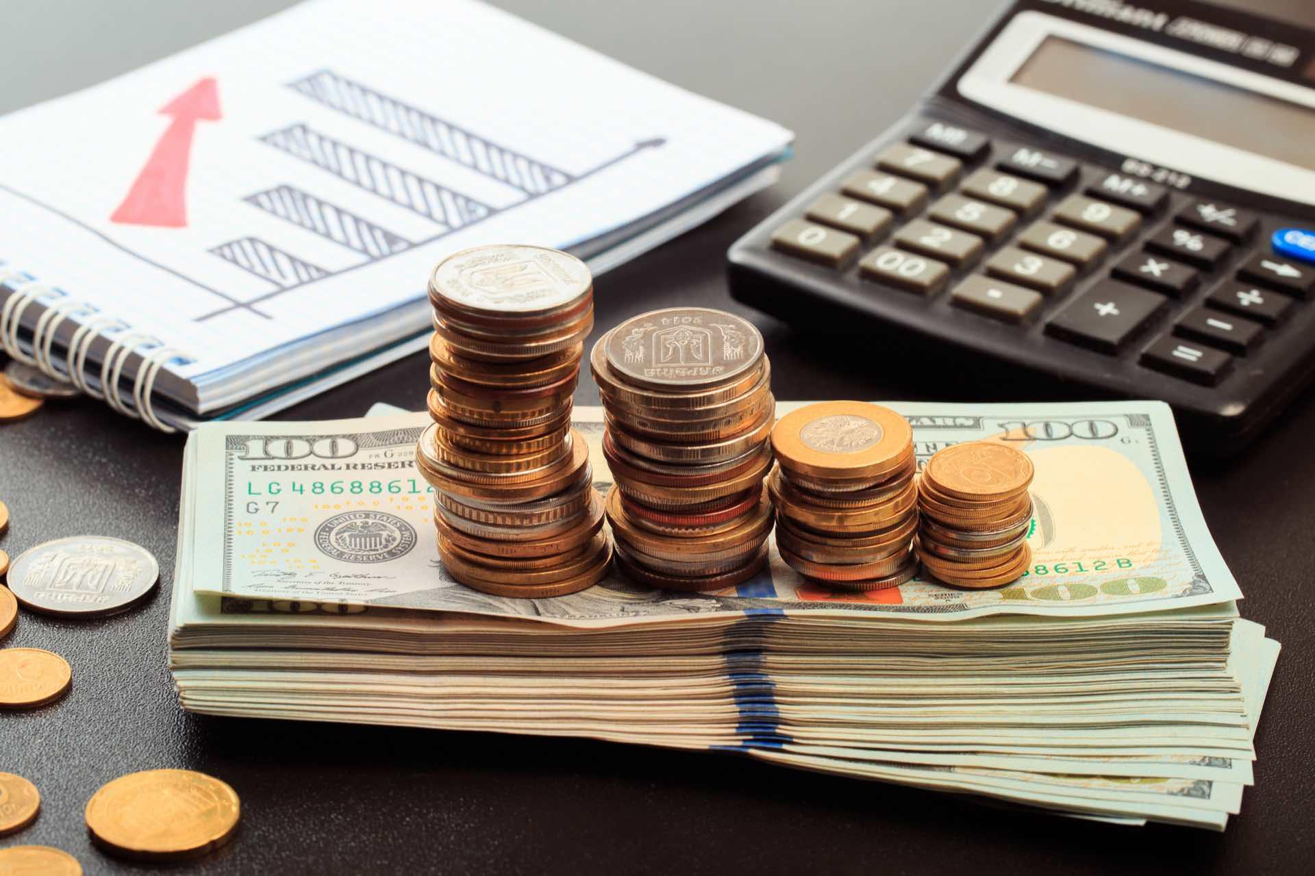 Cómo administrar el dinero e invertir tus ingresos según tu edad